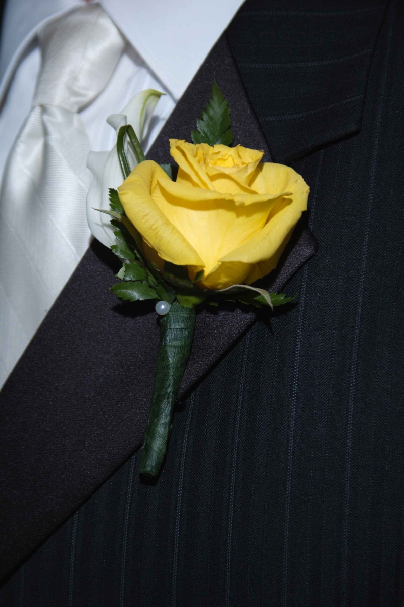 ivory calla lily yellow rose boutonniere - Garden Rose Boutonniere